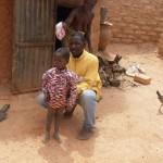 Omar et un enfant parrainé
